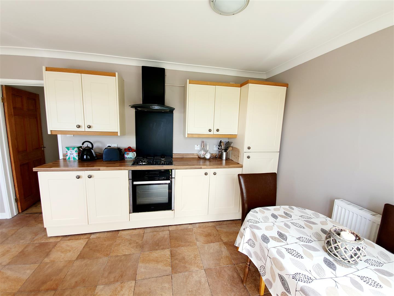Clos Gorsfawr, Grovesend, Swansea, SA4 4GZ